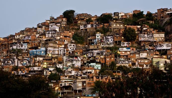 Fonte imagem: http://www.epidemicfun.com/2010/amazing-street-art-by-french-artist-jr/