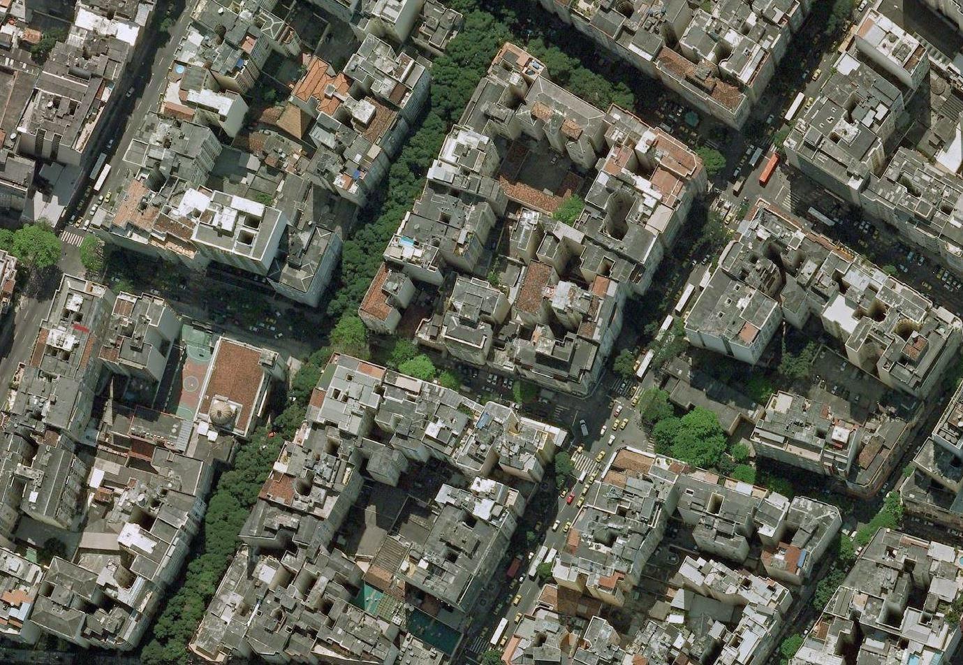 """Copacabana: não foram legislações que deixaram o bairro """"solidário"""", mas uma oferta expressiva de unidades."""