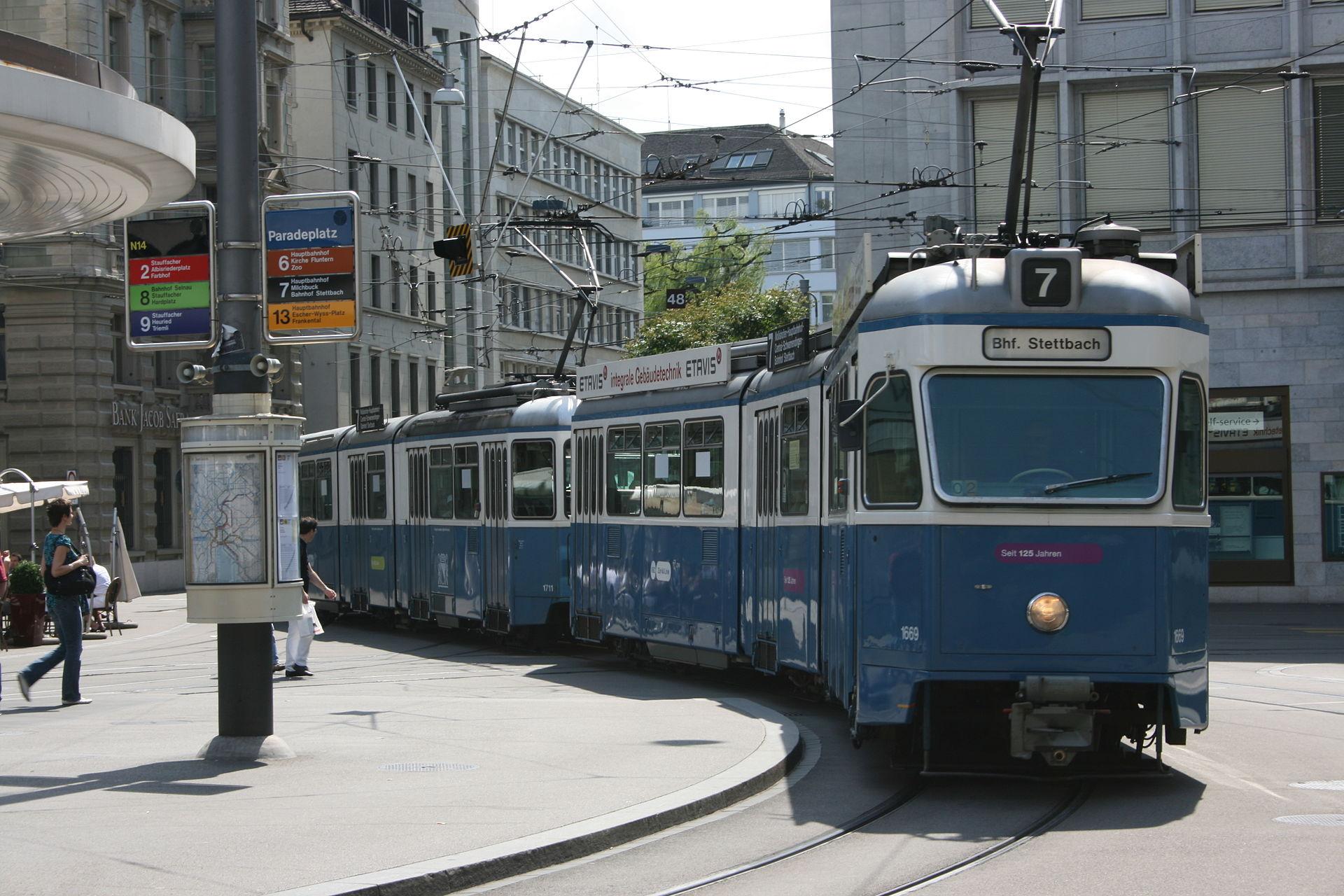 No._7_Tram,_Parade_Platz