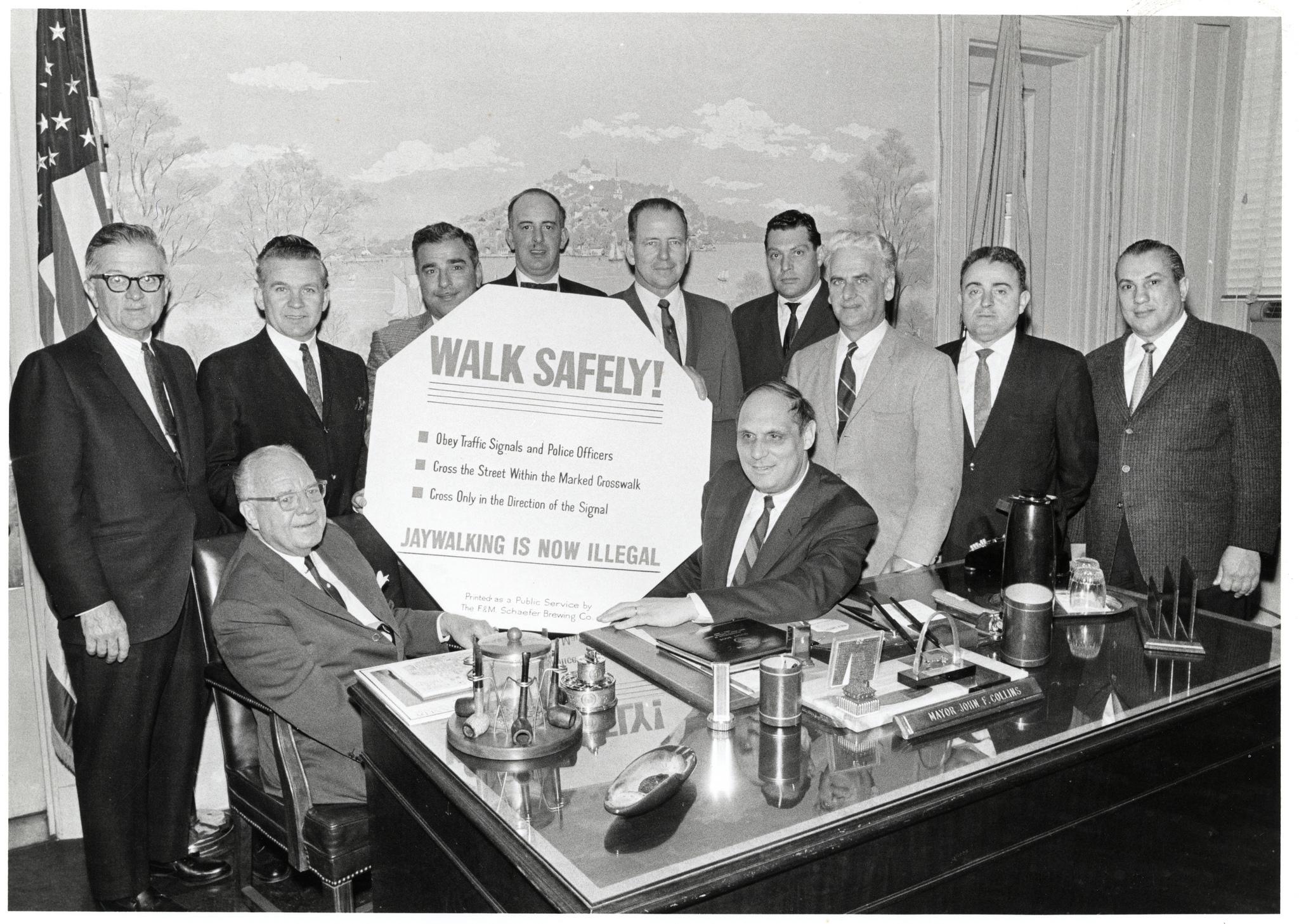 Prefeitura de Boston proibindo o jaywalking nos anos 1960. Foto: cityofbostonarchives @ Flickr