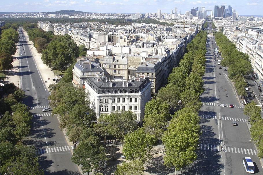 Bombeiros gaúchos interditam Paris