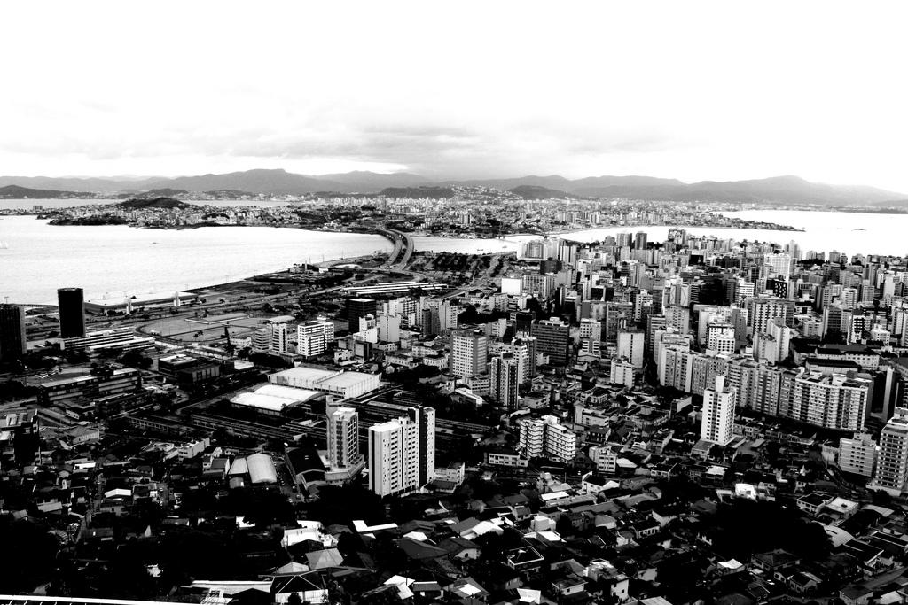 Vista aérea de Florianópolis em 2009. Foto: Yuri @ Flickr