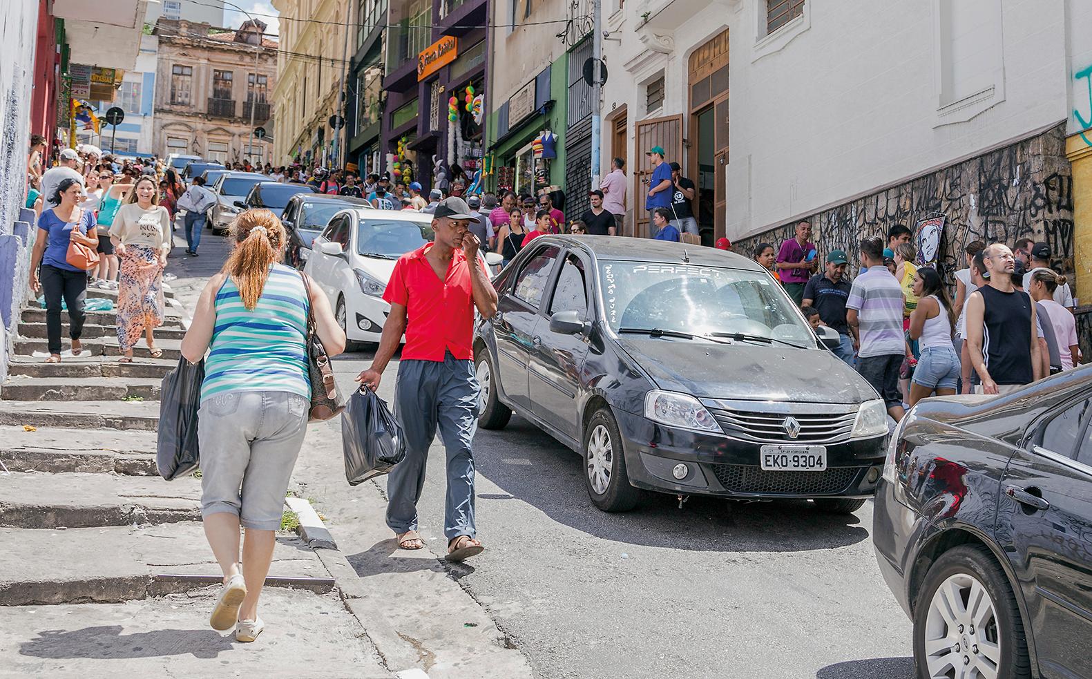 Uniformização e municipalização das calçadas | Guia de Gestão Urbana