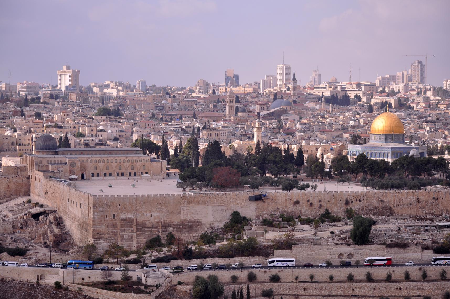 Como o planejamento urbano divide Jerusalém e o mundo religioso