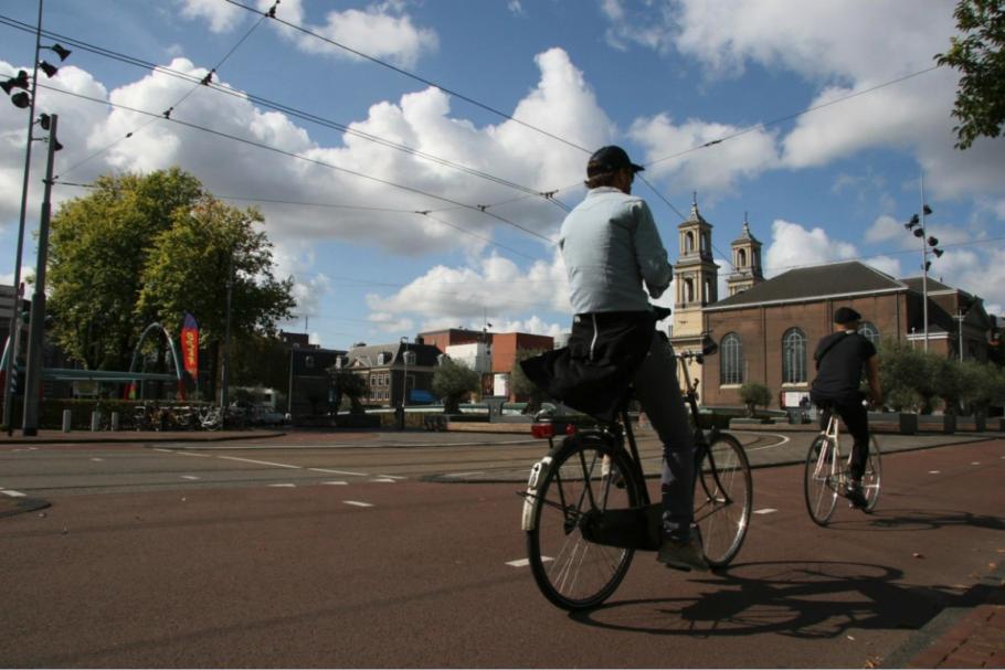Contra as multas a ciclistas e pedestres