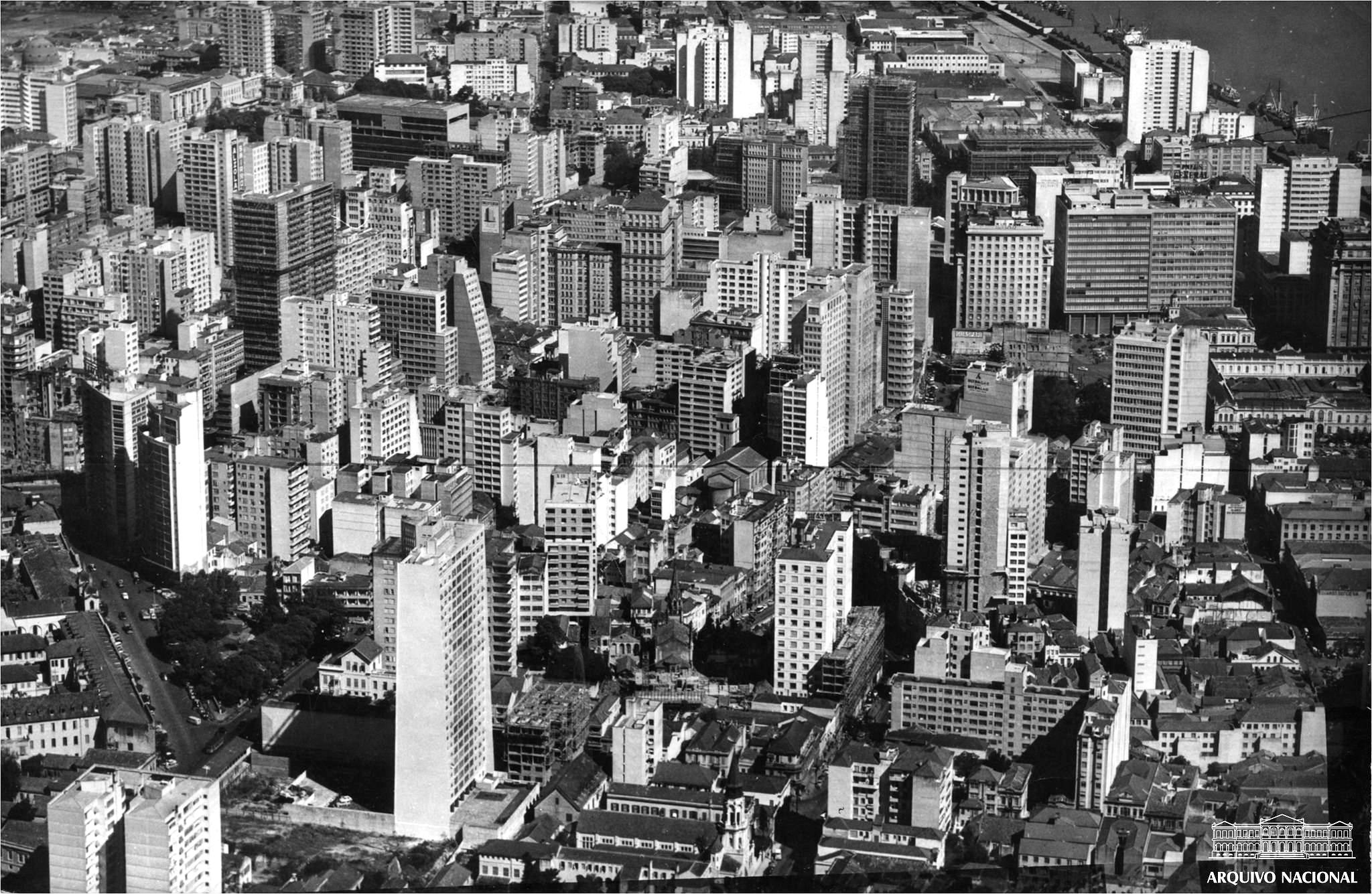 Porto Alegre nas alturas: quando a cidade era vertical