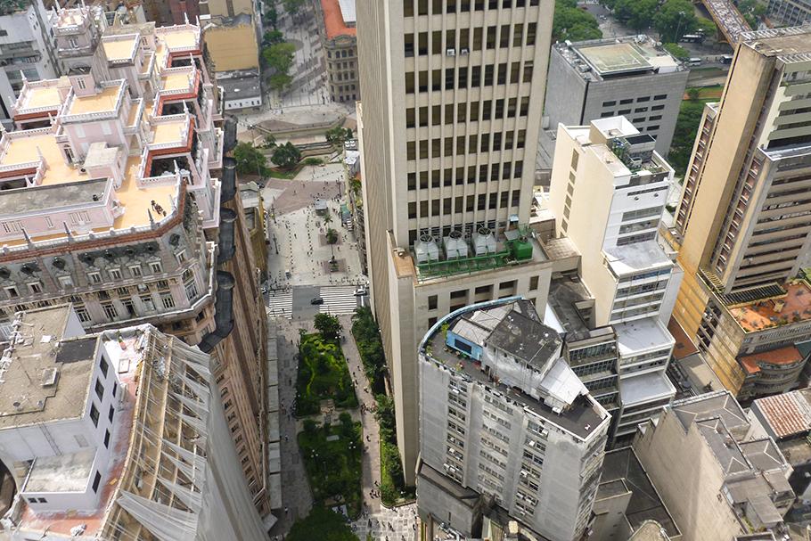 Como transformar prédios de luxo em habitação popular