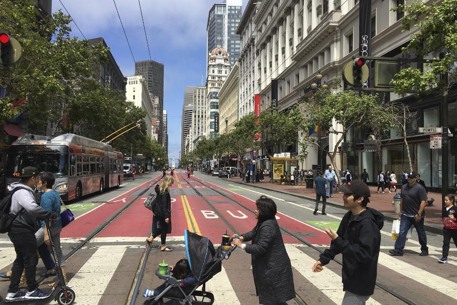 A rua na constituição do espaço urbano