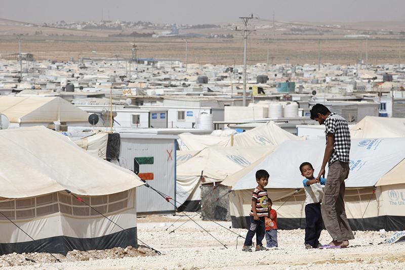 É hora de deixar refugiados construírem suas próprias cidades