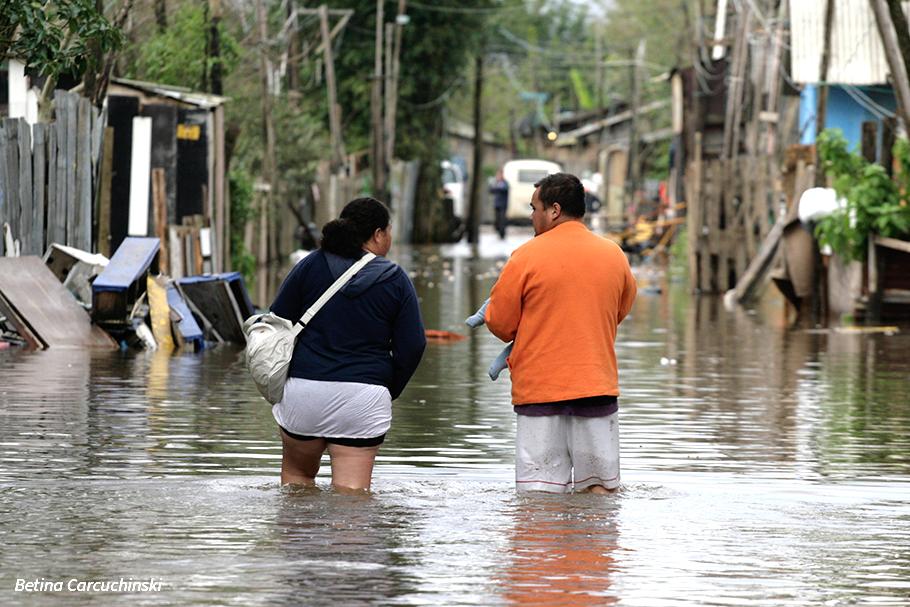 A solução para as enchentes não é inviabilizar a cidade