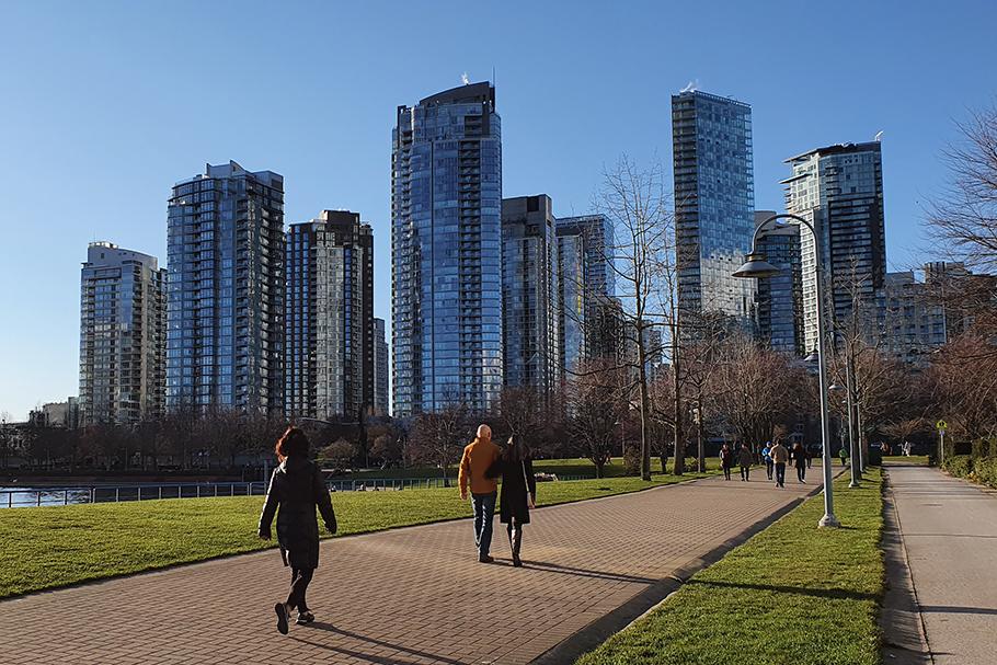 """""""Vancouverismo"""": verticalização com vida na rua"""