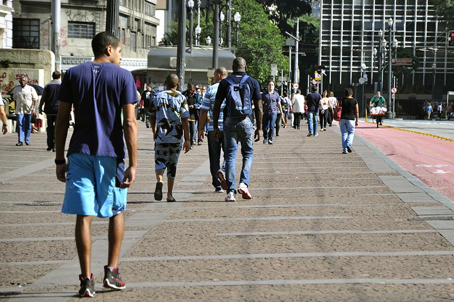 A caminhabilidade promove mobilidade social?