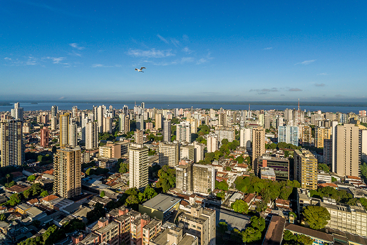 Qual o papel dos mercados na política urbana?