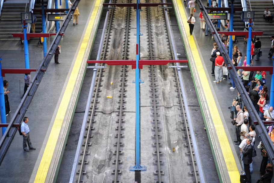 Os custos de construção de linhas de metrô são nacionais
