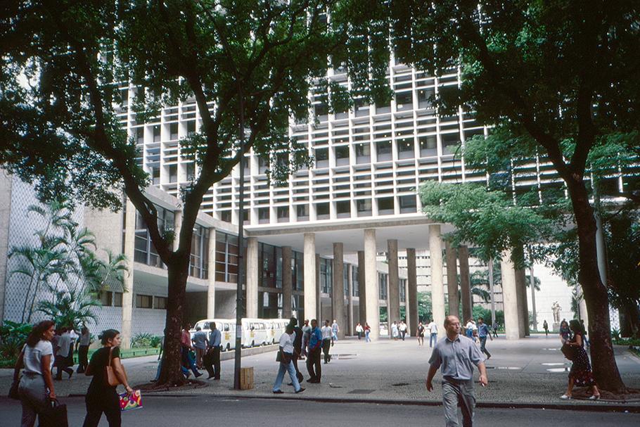 Palácio Gustavo Capanema: recuos projetados sem que nenhuma legislação obrigasse a isso